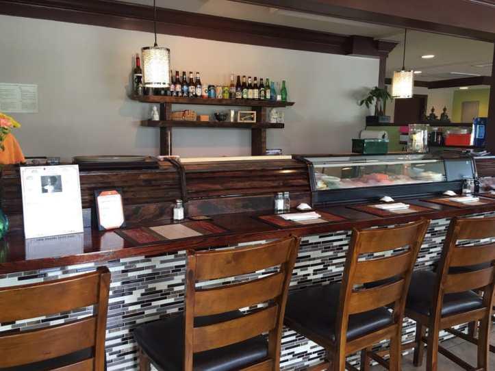 insides of siam kitchen bar
